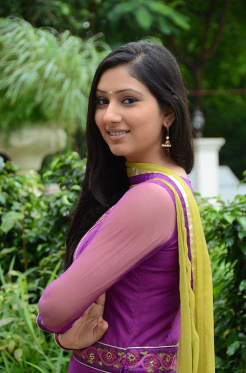 Disha Parmar HD Wallpapers Free Download