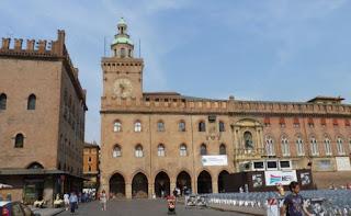 Piazza Maggiore de Bolonia, Palacio Comunal o de la Alcaldía.