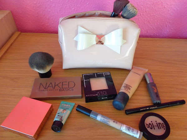 What's in my Makeup Bag: Weekend Away