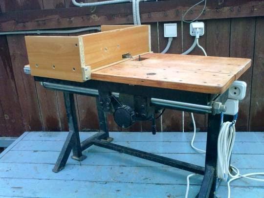 Стол на ручной фрезер