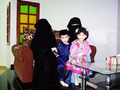 islamic girls, islamic family, burqa, purdah, jilbab, islam women