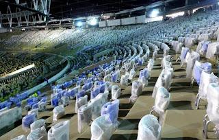 Cerca de 96% dos assentos cobertos, retráteis e numerados