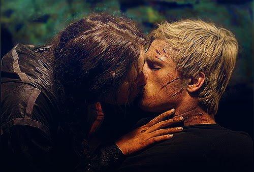Típico, debes matarlo y terminas besándolo
