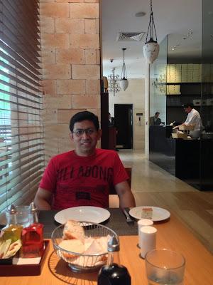 Bistro, Oakwood Premier, Pune