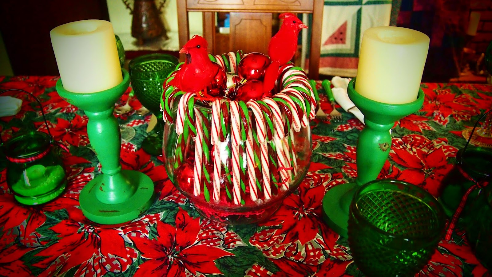 In the middle of nowhere christmas table 6 for Candy cane holder candle centerpiece