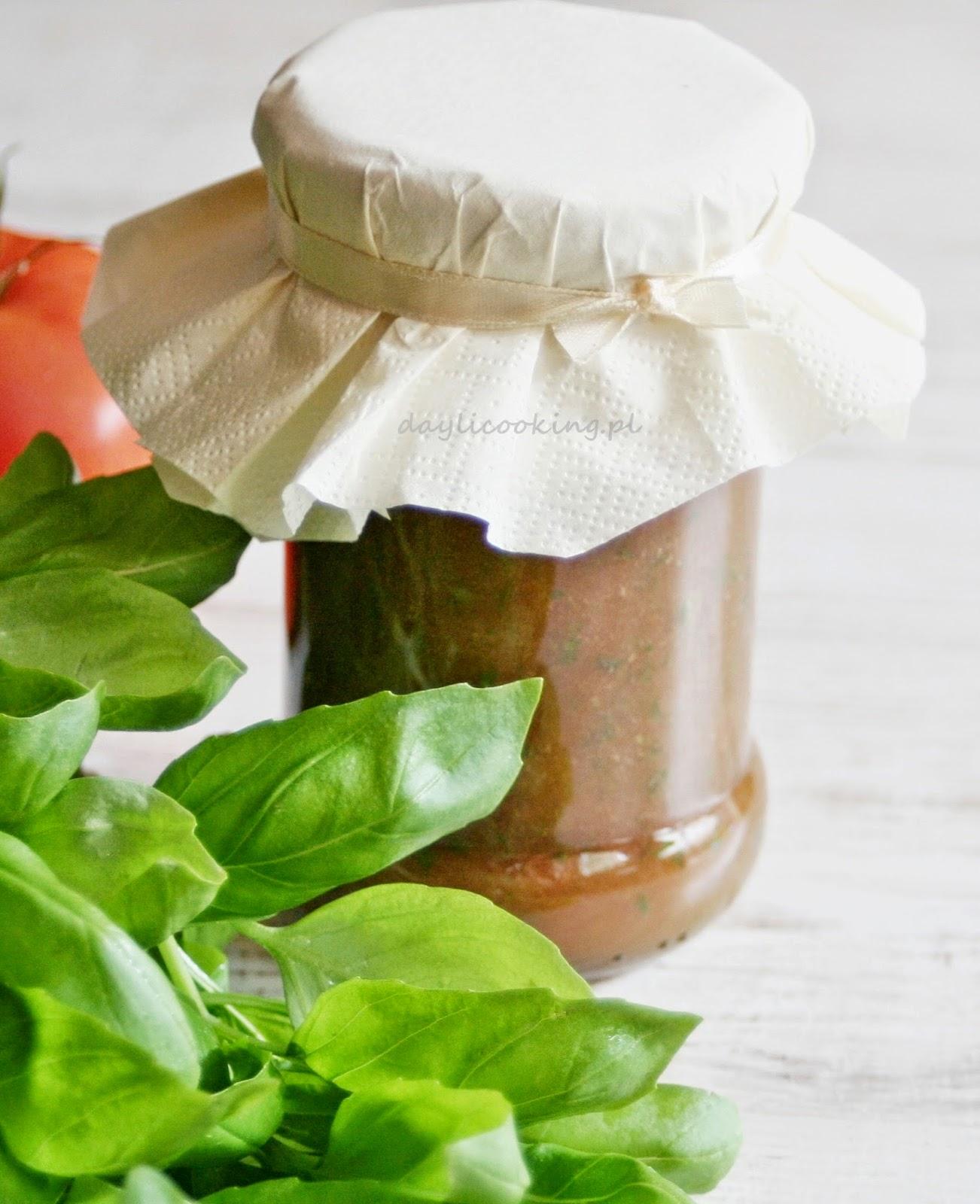 Przecier pomidorowy z bazylią