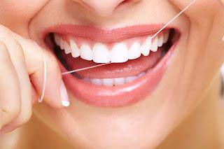 Flossing Gigi Memutihkan Gigi Kekuningan Alami