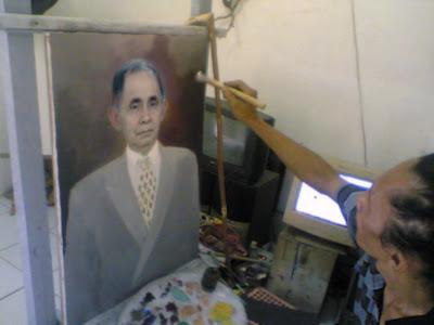 lukisan karya Toto Sukatma,karya lukis,karya seni,lukisan potret,lukisan,potret,photo,portrait,melukis potret,memesan lukisan,proses melukis,pesan lukisan pohoto