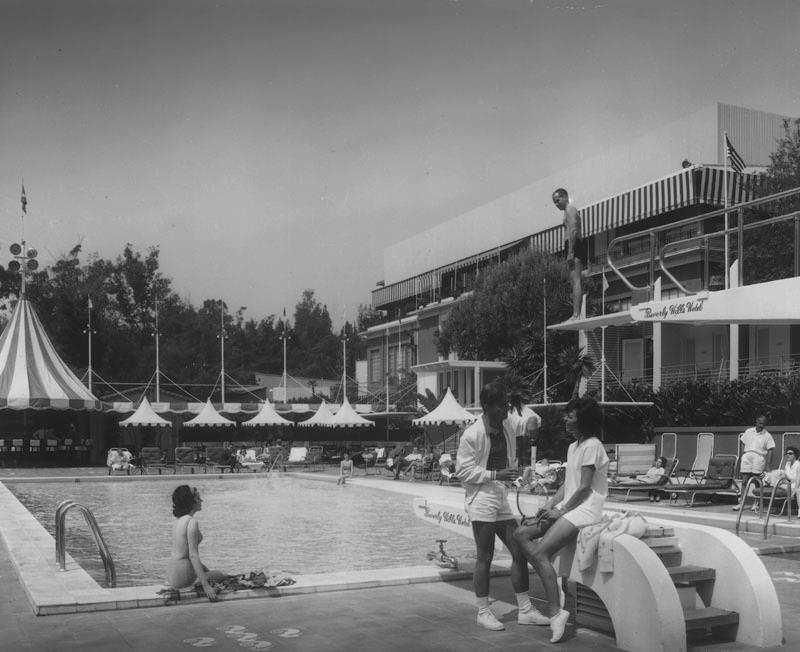 Ciao newport beach beverly hills hotel celebrates 100 years for Cafe jardin newport beach