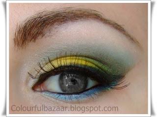 Machiaj Galben cu accente albastre si verzi-ochi negri