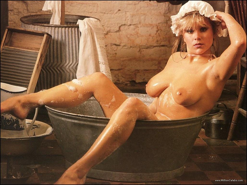 http://4.bp.blogspot.com/-X89_LYfSCZk/TVWSkMKweKI/AAAAAAAADPU/KZj55OXQebc/s1600/Samantha-Fox-Nudestars.biz-3.jpg