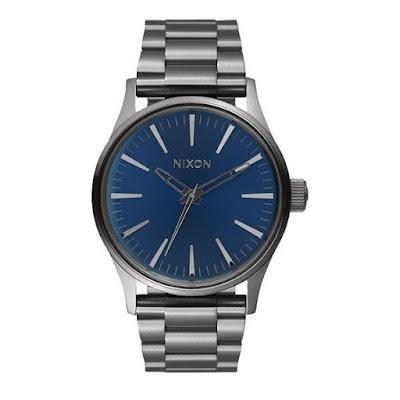 Reloj Nixon azul eléctrico