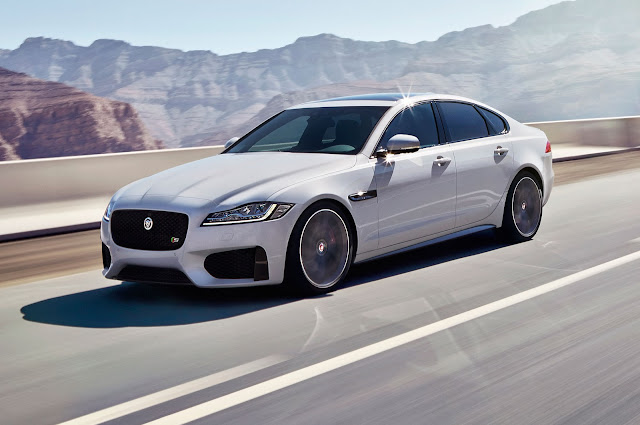 2016 Jaguar XF Spy Shots