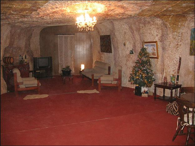 Coober pedy australia the place where people live for Subterranean home designs