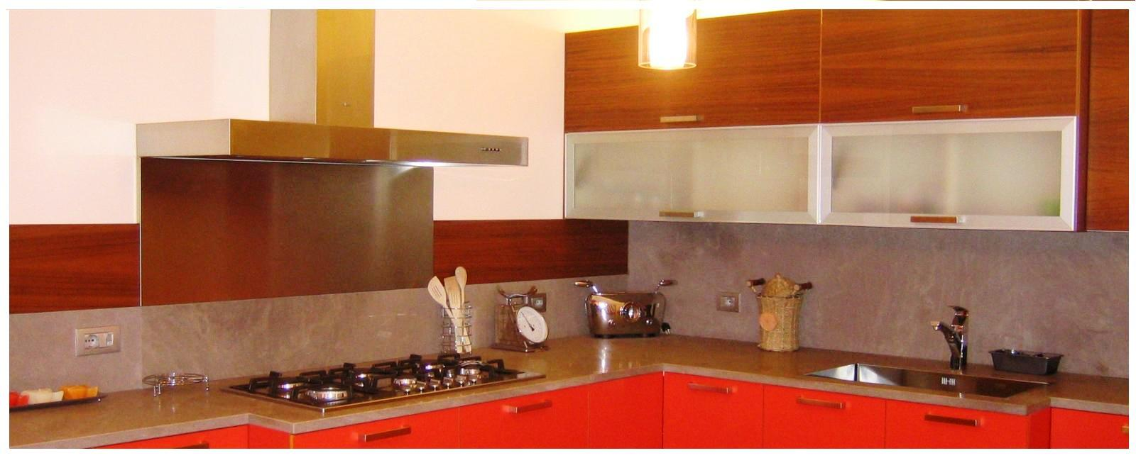 La casa rosso papavero marzo 2012 for Pannelli per coprire piastrelle cucina casa