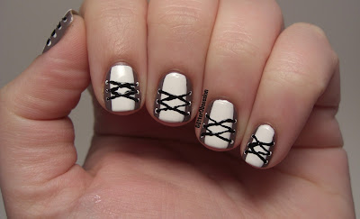 corset manicure