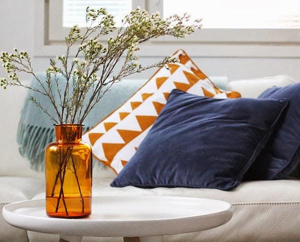 almofadas - cores contrastantes