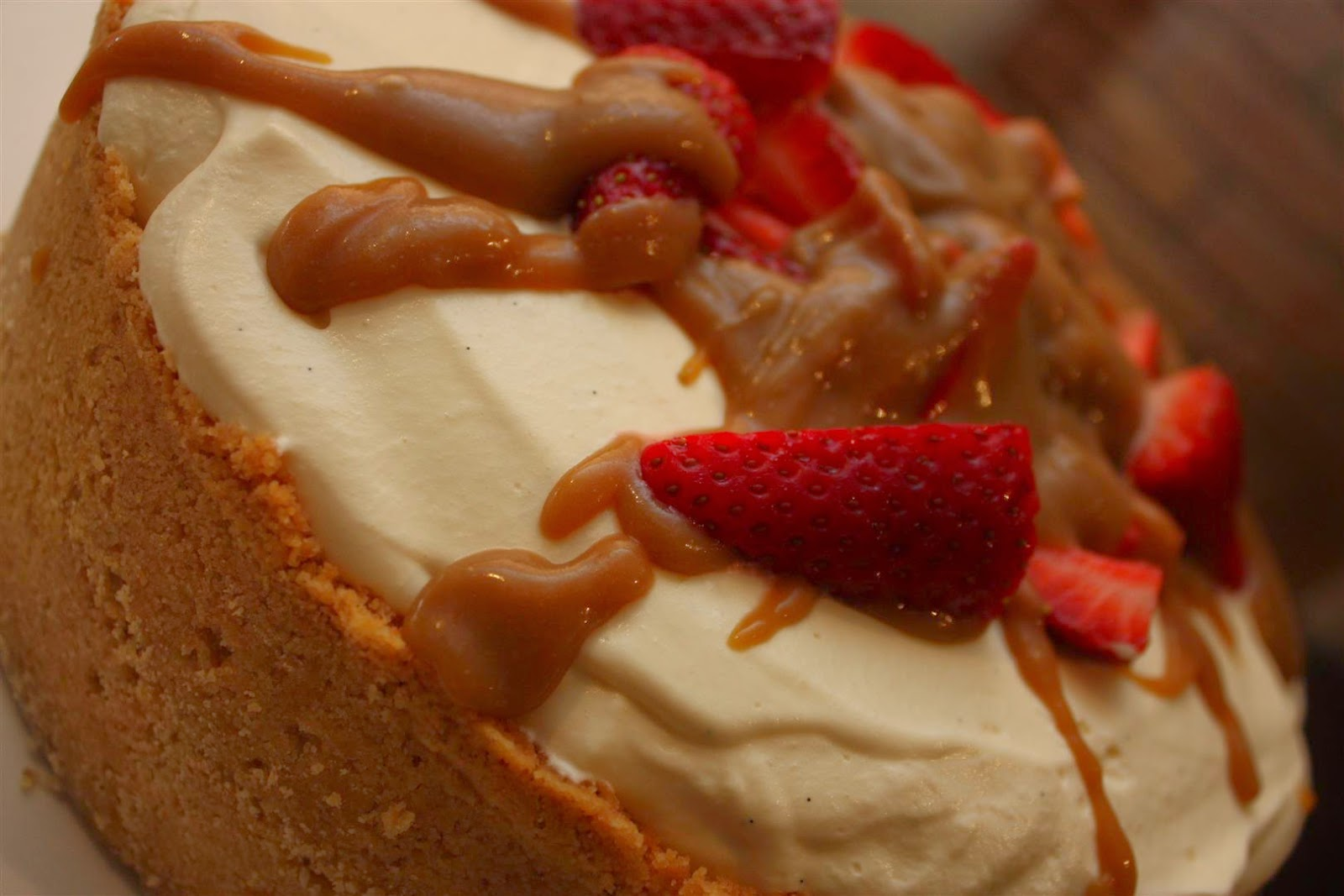 The Everyday Baker: Salted caramel and vanilla baked cheesecake