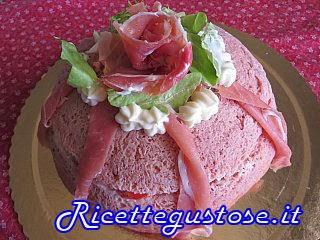 http://www.ricettegustose.it/Antipasti_vari_html/Panettone_gastronomico_alle_rape_rosse.html