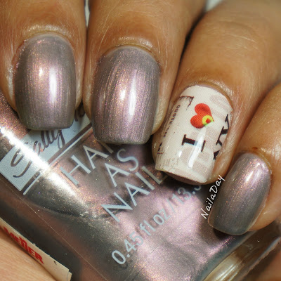 NailaDay: Review Lady Queen nail wraps and Sally Hansen Reflection Frost