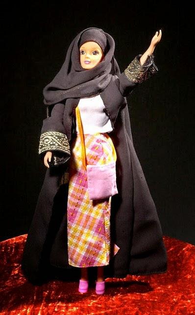 Gambar boneka barbie muslim untuk anak