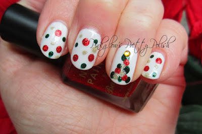 Christmas-tree-dotticure-nail-art.jpg