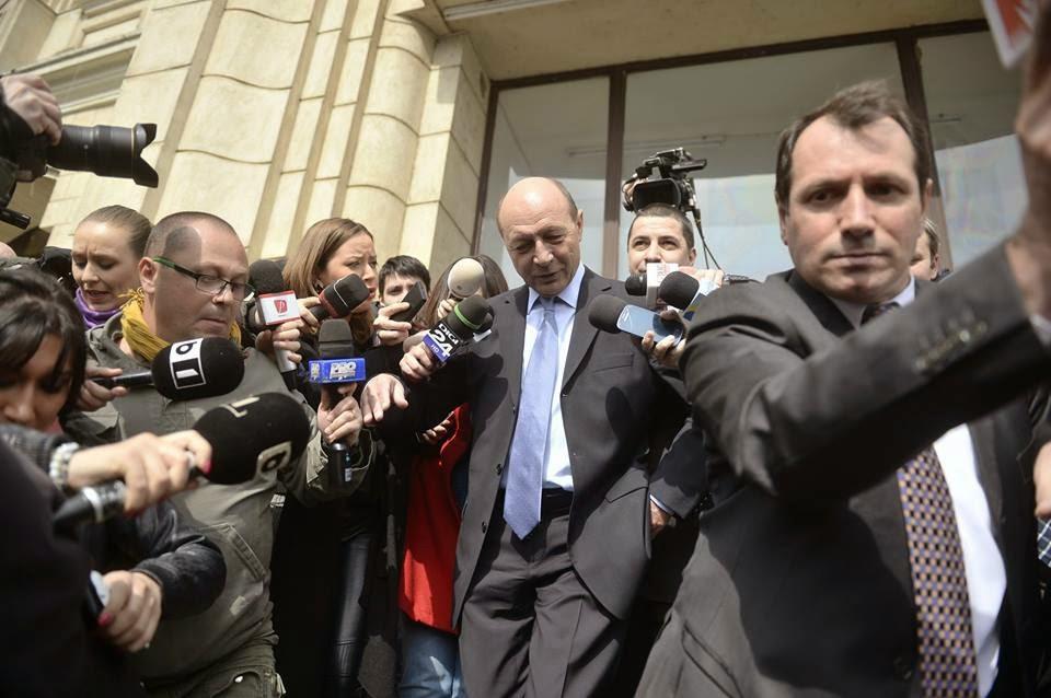 Traian Băsescu, Gabriela Firea, fenyegetés, zsarolás, bűnvádi eljárás, Basescu cercetat, Basescu cercetat penal