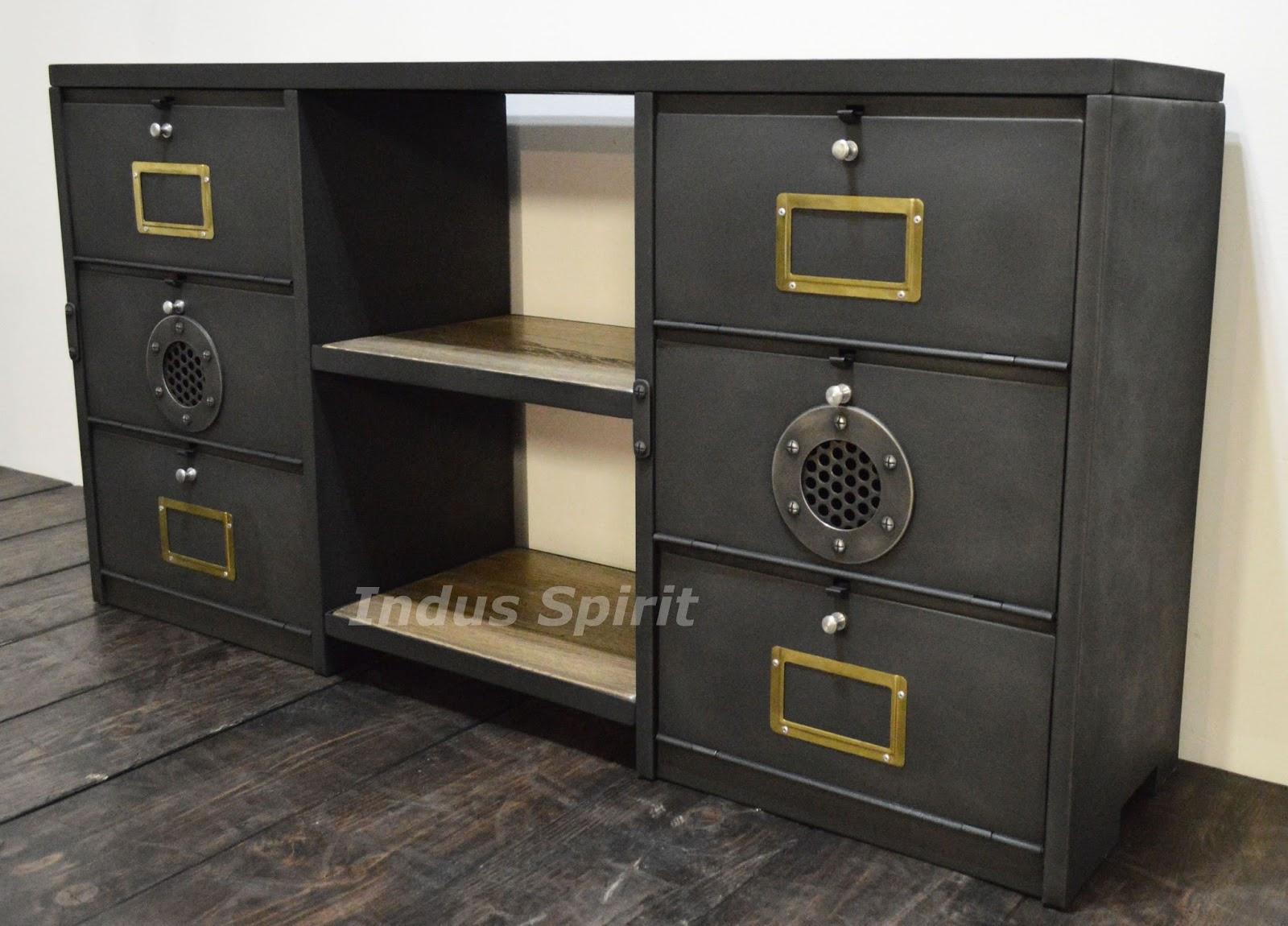 Meuble industriel mobilier industriel design for Meuble facon industriel