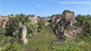 Sculptures ofcContemporary artists in the roman quarry
