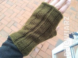 Rękawiczki na drutach są proste do wykonania, nawet dla faceta