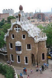 Pabellón de servicios. Parque Güell. Gaudí. Barcelona.