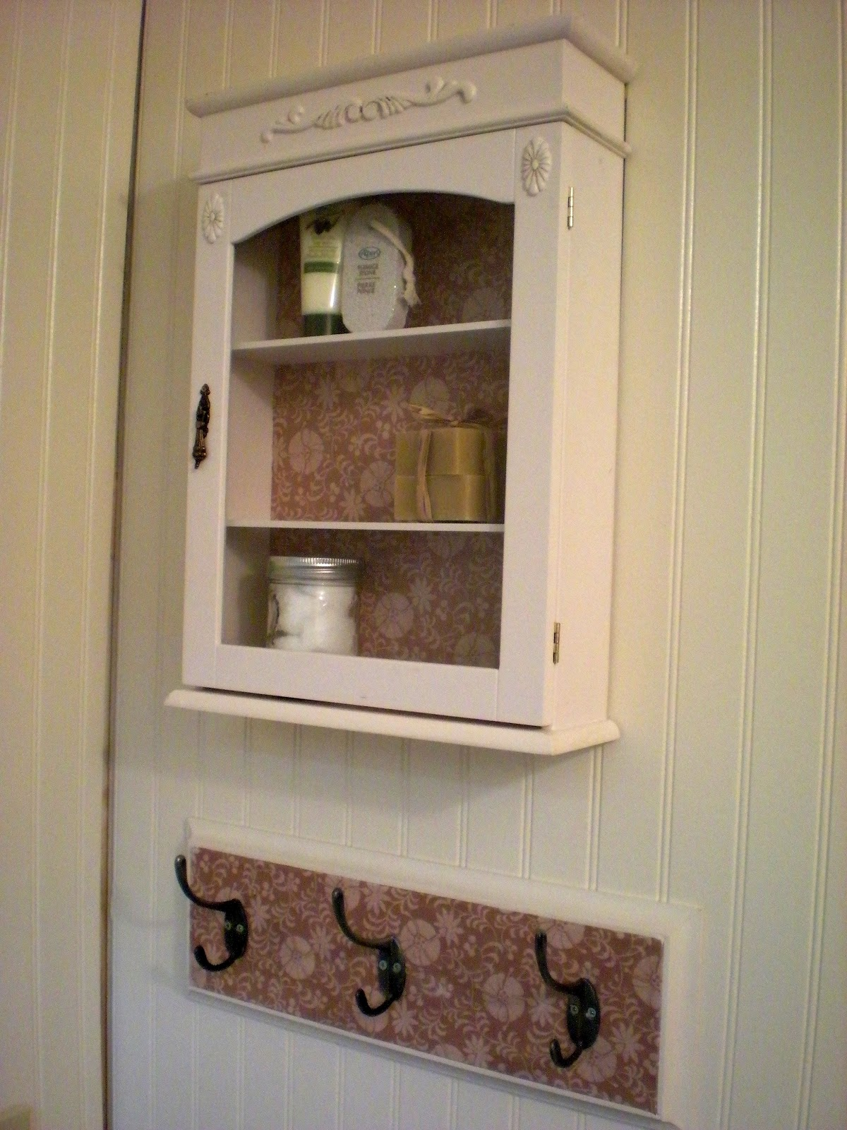 Designdreams by anne a vintage look for the bathroom for Looking for bathroom accessories