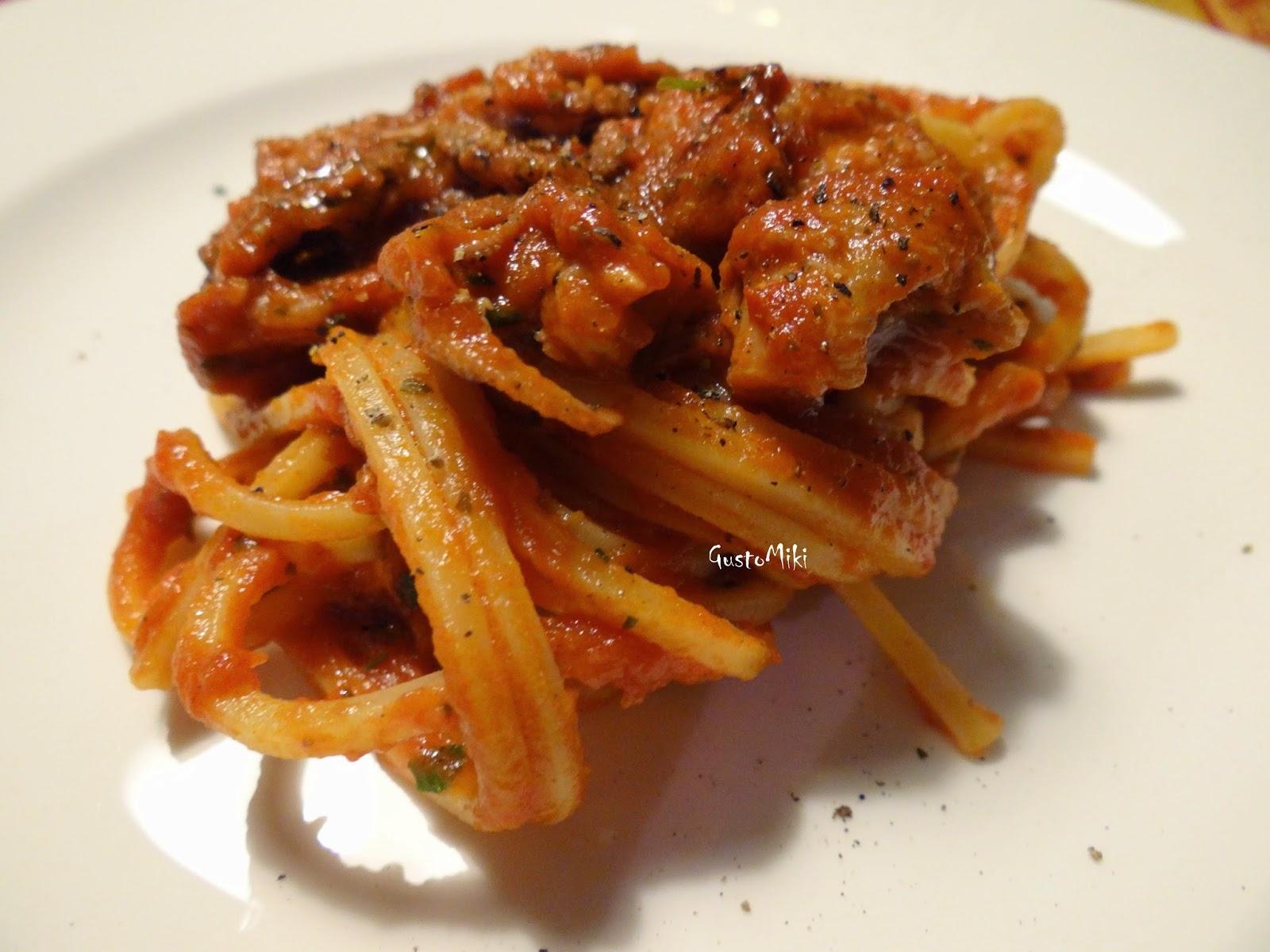 Super GustoMiki: Spaghetti con sugo di polpo  l'amore sconfinato per  MY22