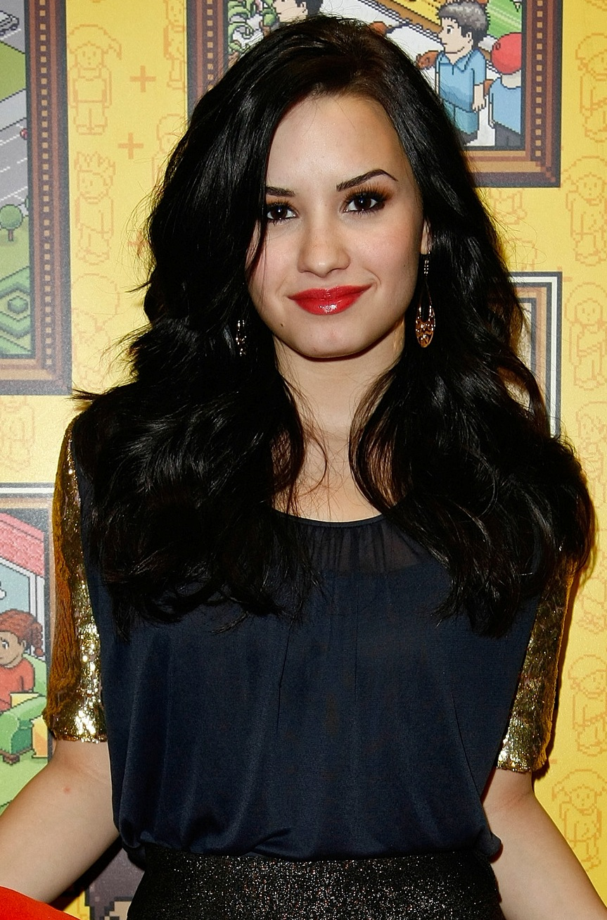 Demi Lovato Hairstyle Straight