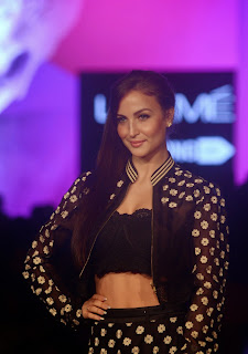 Elli Avram in Spicy Printed Black Dress at Lakme Fashion Week 2015