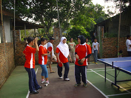 Tenis meja putri RT 12