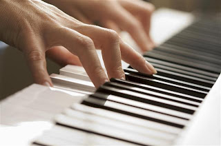 piano lessons for beginners picture