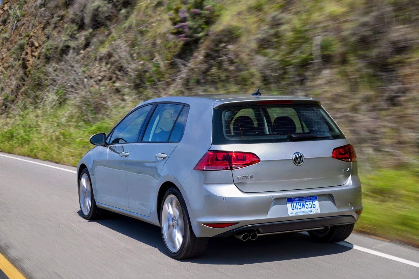 Rear 3/4 view of 2015 Volkswagen Golf TDI