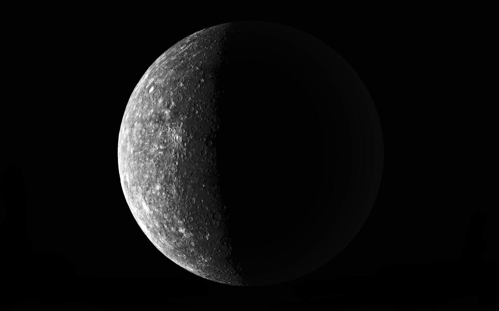 Black and White Wallpapers: Black White Moon Photo - Black White Space ...: blackandwhitewalls.blogspot.com/2012/10/black-white-moon-photo...