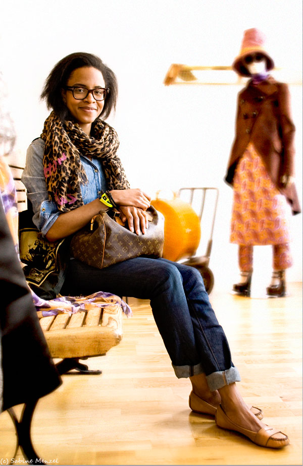 Psynopsis Michelle Bobb Parris in Louis Vuitton Scarf and Bag