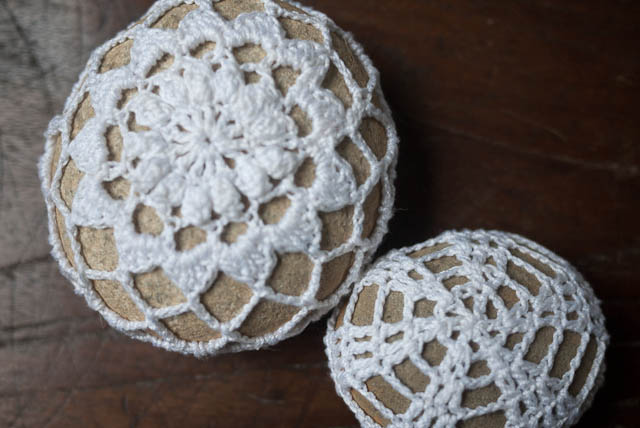 crochet pebble stone doily