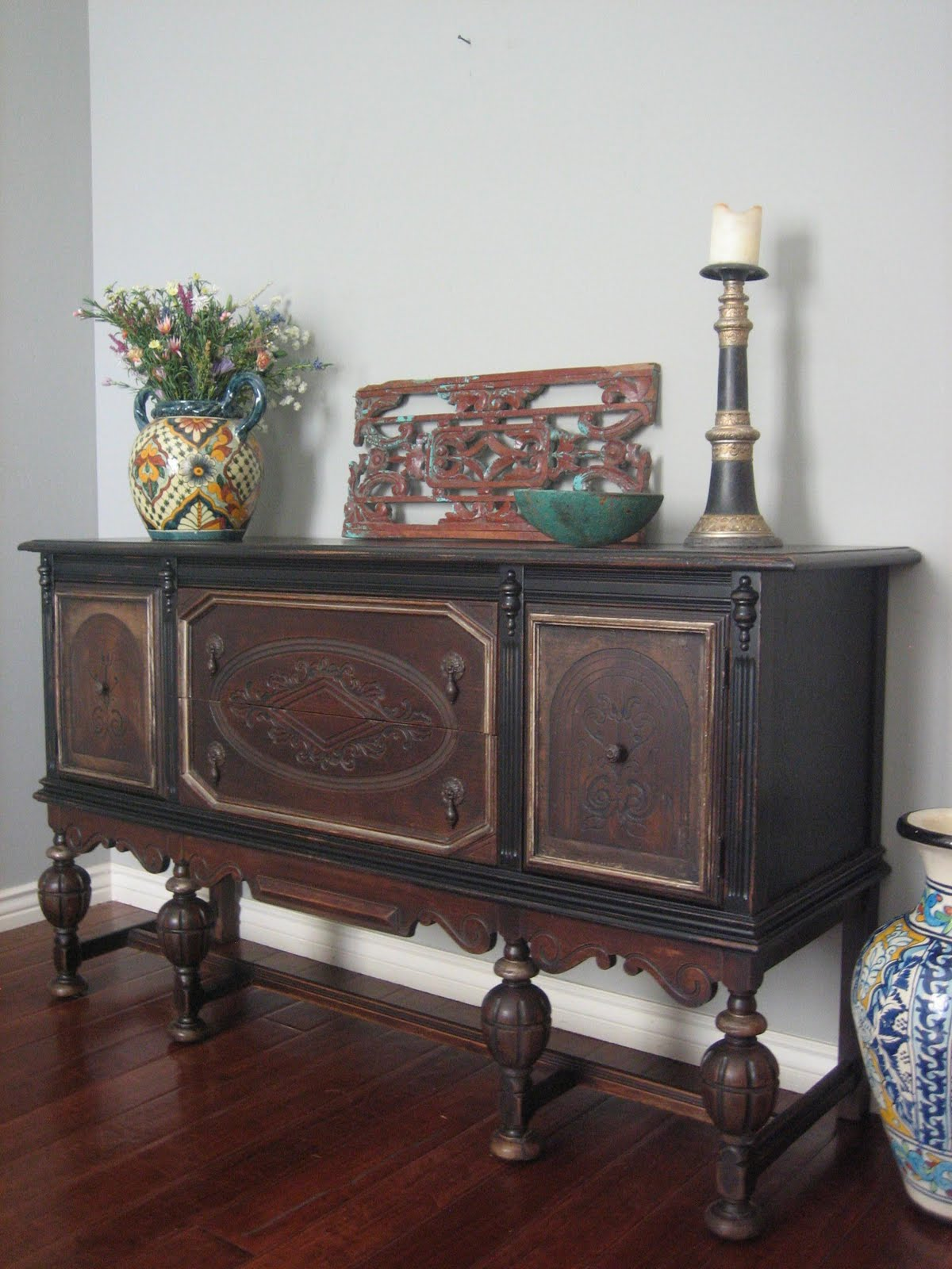 European paint finishes old world sideboard for Painted buffet sideboard