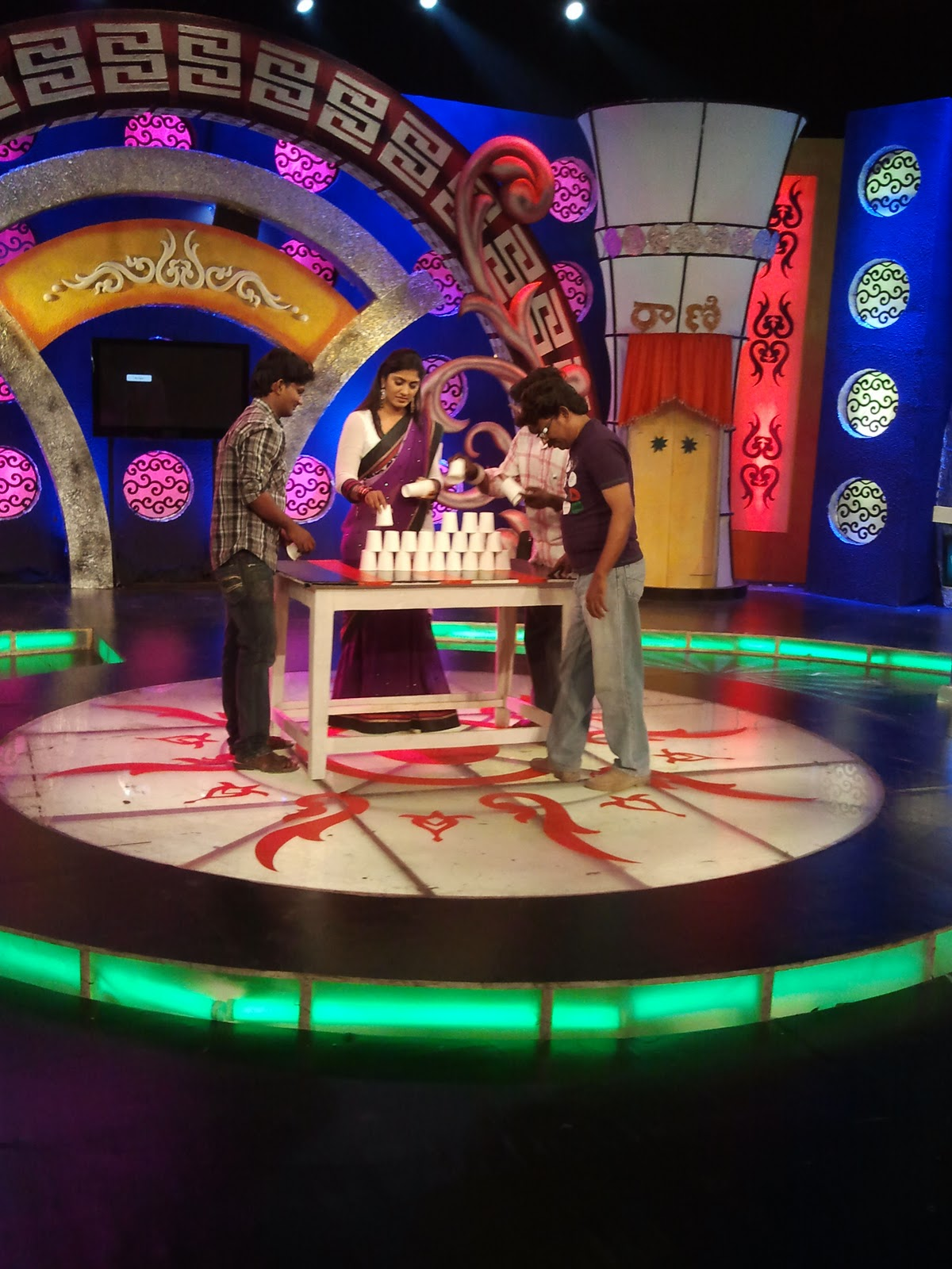 game Game Show Live   Jeopardy meets Family Feud