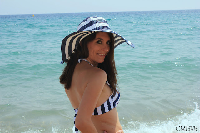 diana dazzling, fashion blogger, fashion, blog,  cmgvb, como me gusta vivir bien, navy bikini, navy look, outfit marinero, bikini marinero, Cannes, Cannes Beach, costa azul, cote d'azur, pamela