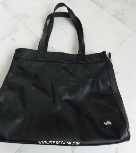 Carpisa black faux leather bag