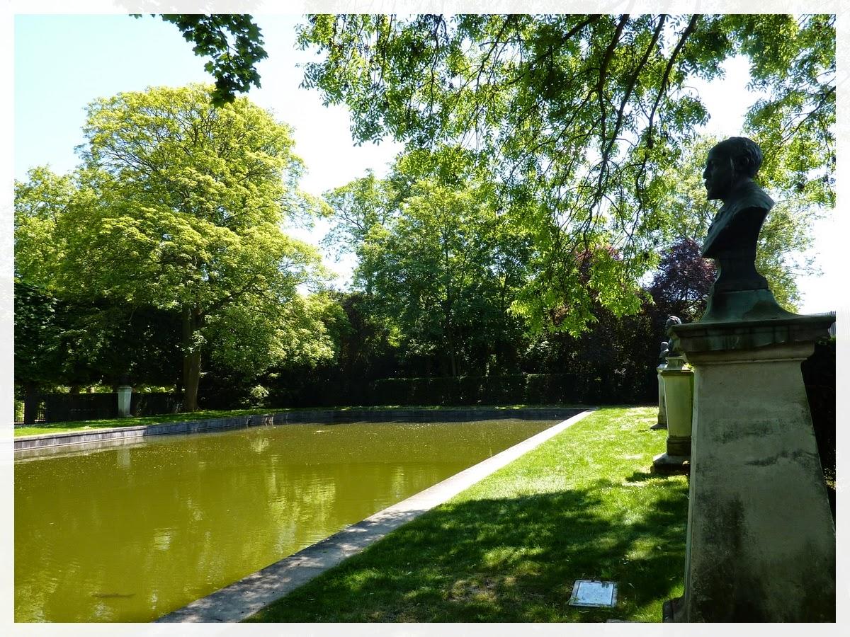 bassin rectangulaire de jardin