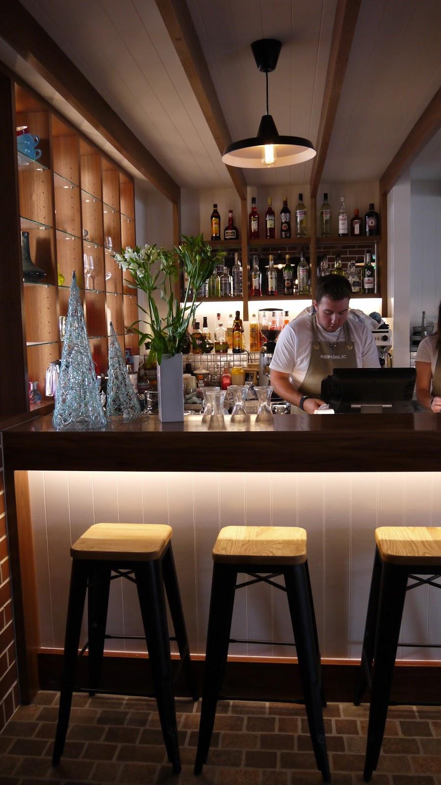 Adelaide, Bar, Food, Lamb Spit, Magill, Norwood, pub, Republic, safood, Suckling Pig
