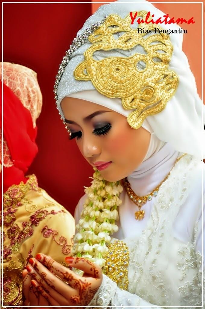 Rias Pengantin Jogja, Rias Pengantin Tradisional Jogja, Rias Pengantin Modern Modifikasi Jogja, Rias Pengantin Muslim Jogja, Rias Foto Pre Wedding Jogja, Rias Wisuda Jogja