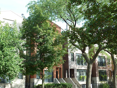 Roscoe Village Chicago Apartments