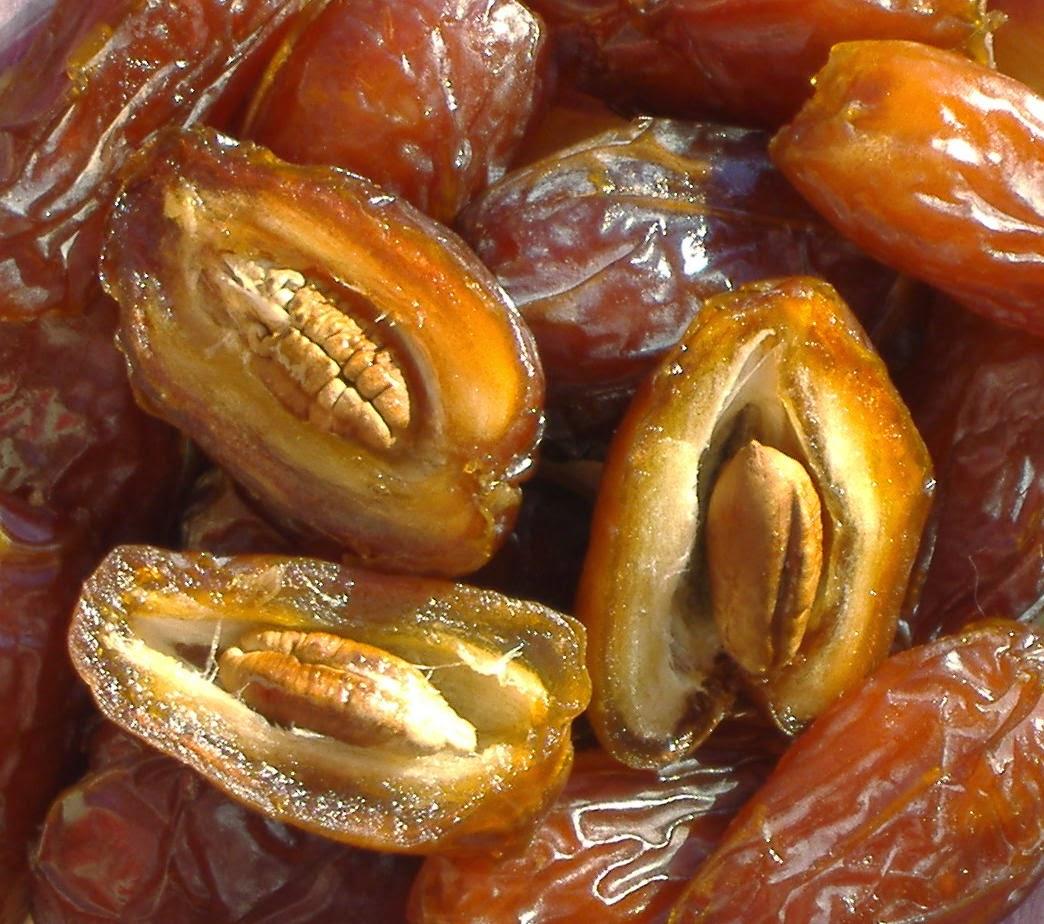 buah kurma paling manis di dunia, manfaat buah kurma, khaisat buah kurma bagi ibu hamil dan menyusui, khasiat buah kurma untuk ibu hamil dan janin